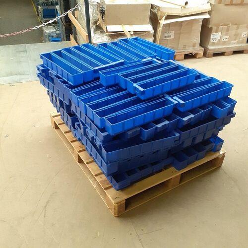 Voordeelpartij 142 kunststof magazijnbakken VKB blauw 500x93x83 mm